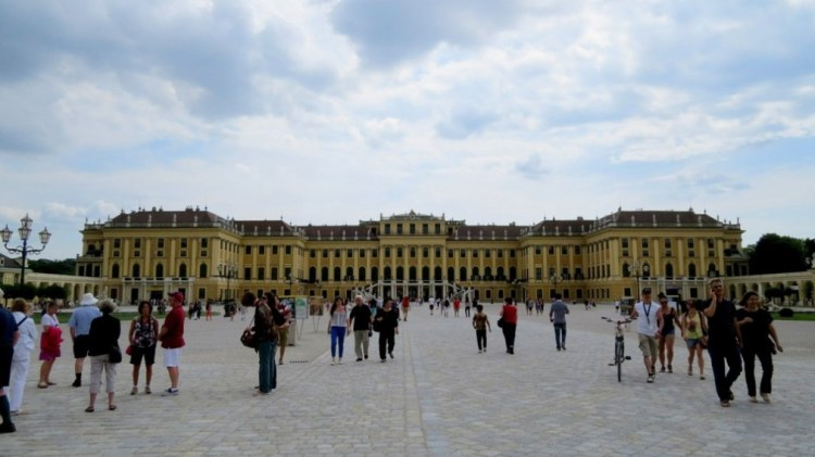 Schonbrunn_palace_by_anchor_it_down (1)