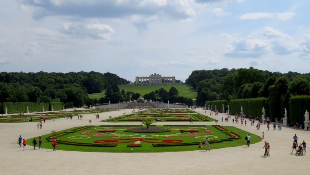Schonbrunn_palace_by_anchor_it_down (2)
