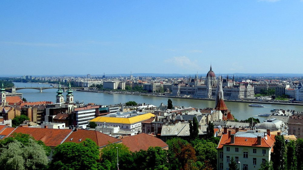 Budapest_by_anchoritdown